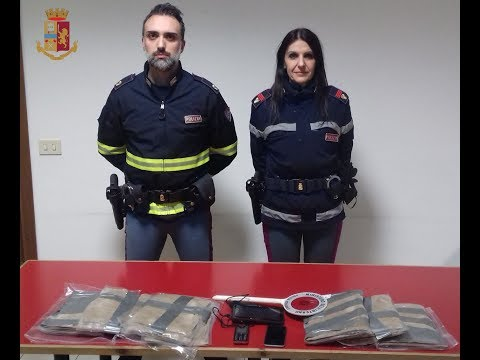 Arezzo, maxi sequestro di droga in A1: fermato trafficante con sei chili di cocaina